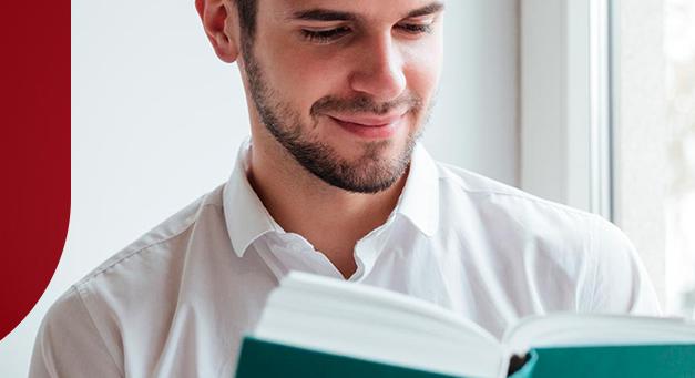 Livros para farmacêuticos: saiba quais não podem faltar no seu acervo